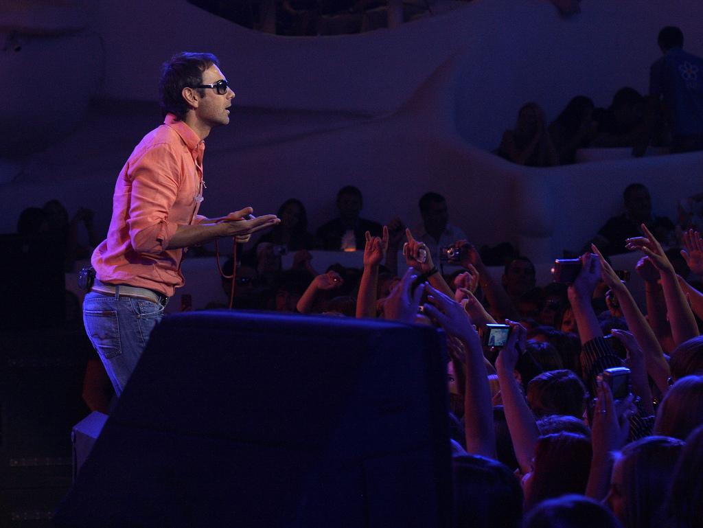 Piosenkarz-polityk przedstawia swoją koncepcje na zmiany w sądach