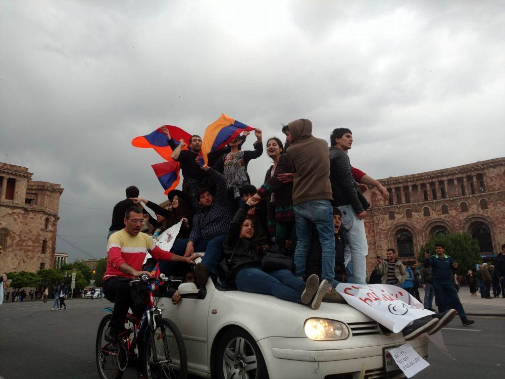 Święto zamiast żałoby – wywiad ze świadkiem protestów w Armenii