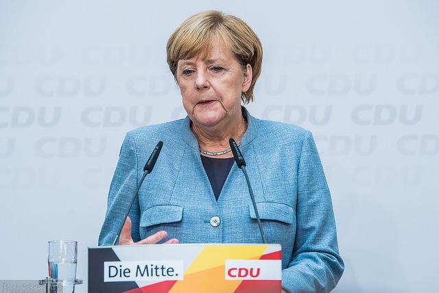 Putin i Merkel rozmawiali o Ukrainie – czytaj w Ekspresie Ukraińskim
