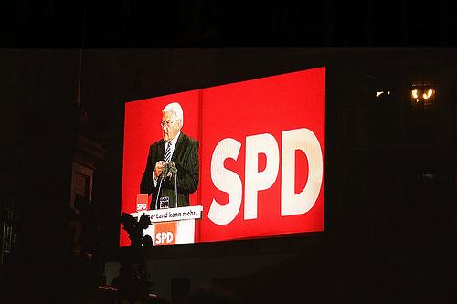Grecja żąda reparacji, kryzys w CSU, atak na dworcu w Kolonii – Ekspres Niemiecki