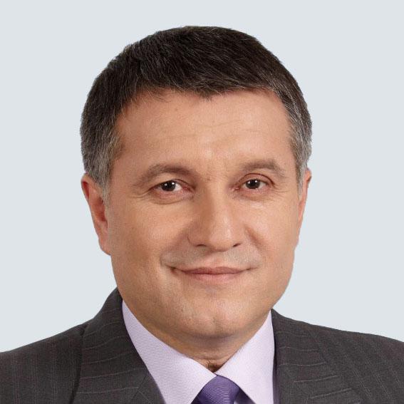 Szef MSW deklaruje neutralność
