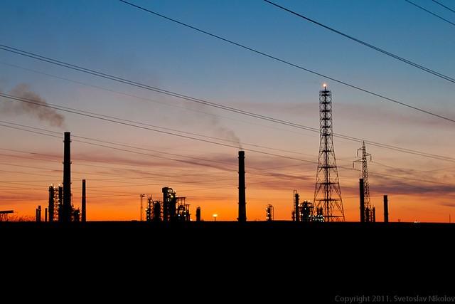 Chiny sprzeciwiają się amerykańskim sankcjom na irańską ropę