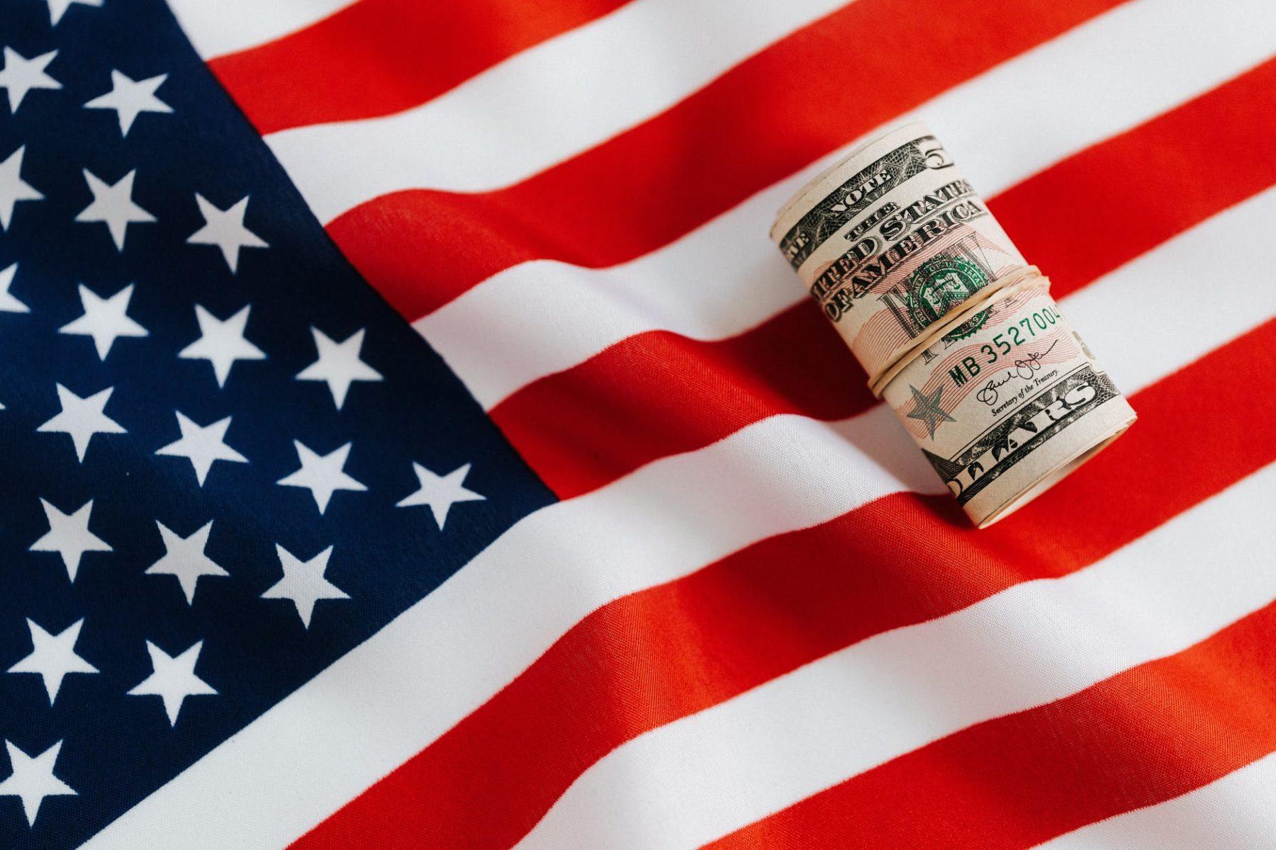 Ameryka dąży do zniesienia restrykcji pomimo wzrostu zachorowań – nowe wydanie Ekspresu Amerykańskiego